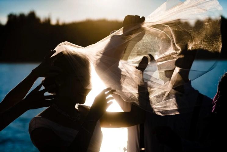 028 - interesting light wedding photo