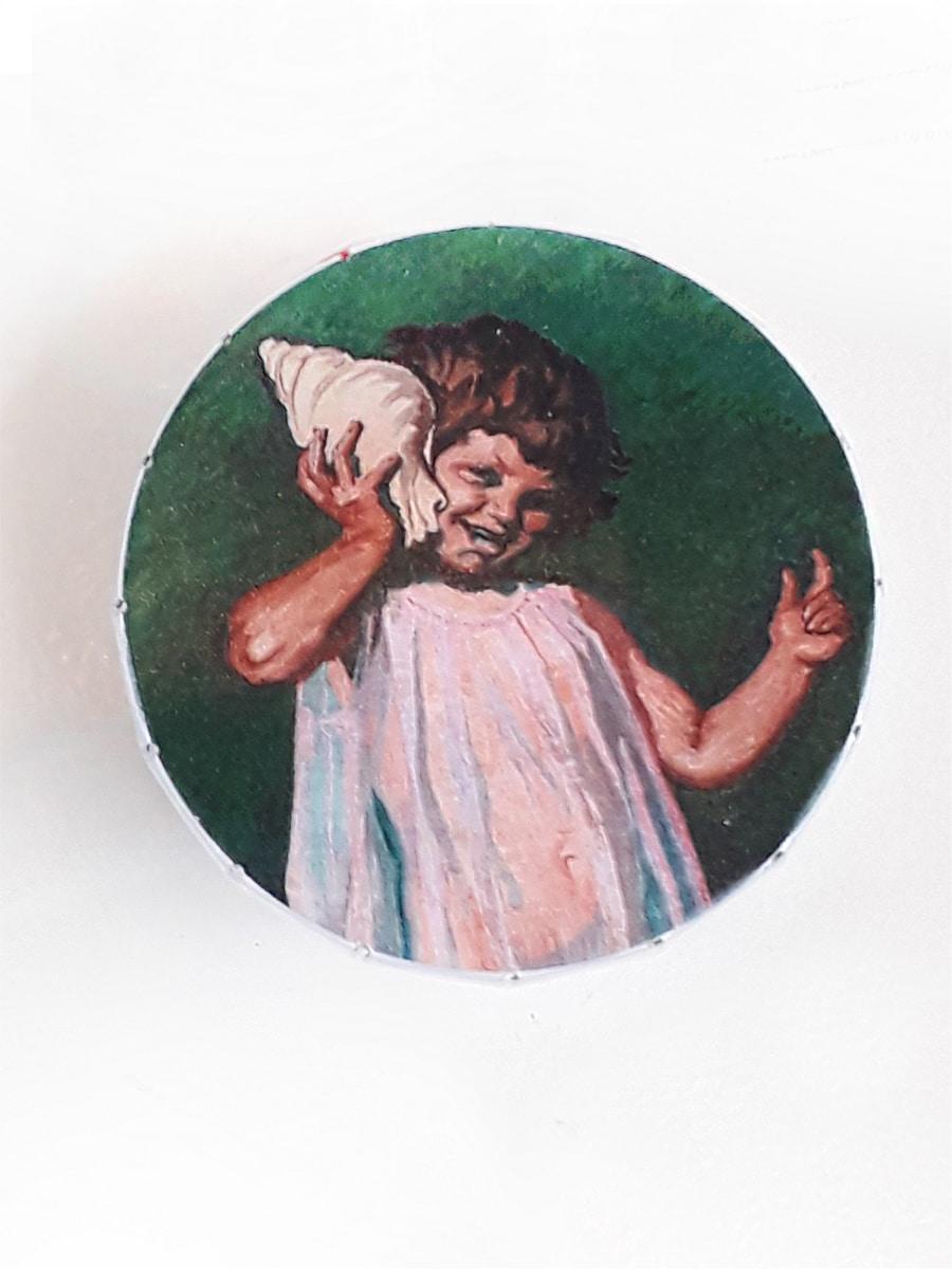 Pige med Konkylie Willumsens Museum Æsle med pastiller