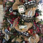 Buffalo Check Christmas Tree With Ribbon 2018