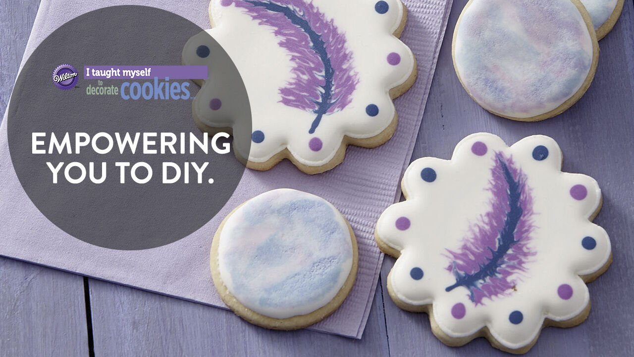 I Taught Myself Cookie Decorating Book Set   Wilton I Taught Myself Cookie Decorating Book Set