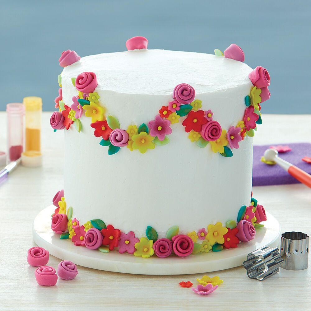 Flowers   Decorating Ideas   Wilton Spring Garland Cake
