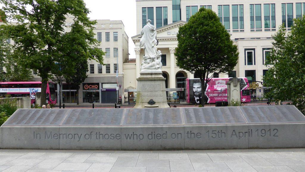P1090382 Belfast - Monument Titanic
