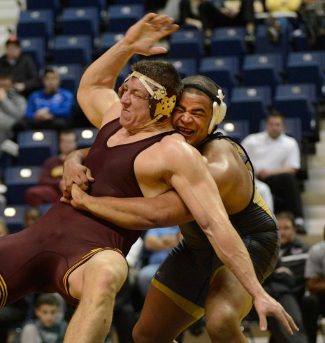 Missouri's Dom Bradley (right) earned the No. 1 seed when he defeated last year's champion Tony Nelson of Minnesota in the Southern Scuffle final.