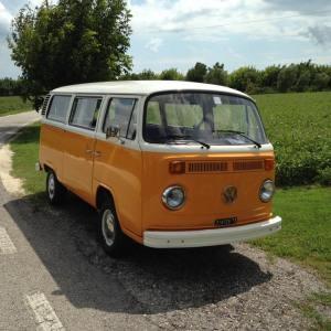 volkswagen-t2-matrimonio-hippie