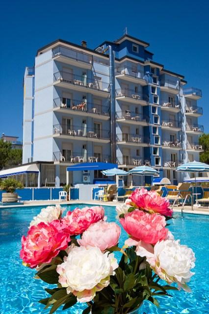 hotel-jet-piscina