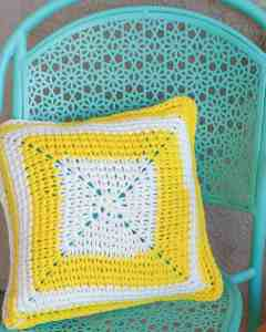 The Sunshine Patio Pillow is an excellent way to brighten up your outdoor living area. THe free crochet pattern only uses one skein of Bernat Maker Outdoor yarn per pillow and has a very unique stitch. This pattern uses very few stitches and is quick and easy. It is great for beginners. #quick #easy #crochet #freepattern #pillow