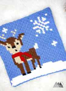 The Shy Deer Crochet C2C Square | Crochet a beautiful blanket for the holidays, using the corner to corner crochet method. Free Crochet charts and written pattern available. Woodland Winter Wonderland C2C Corner to Corner Crochet Blanket. Use the charts for any tapestry crochet, make a wallhanging, or just make one square into a holiday tote. #crochet #crochetpattern #crochetgraph