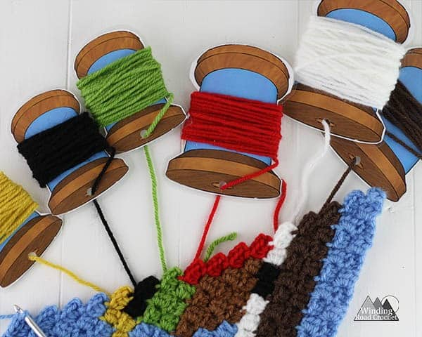 Free Printable Yarn Bobbin | Use these yarn bobbins to keep your colors tangle free when working on crochet patterns that require multiple colors, tapestry crochet, or corner to corner crochet projects. These bobbins are quick and easy to make and great for beginner crocheters to help them tackle color work. Sign up for my newsletter to get access to this and other free printables.