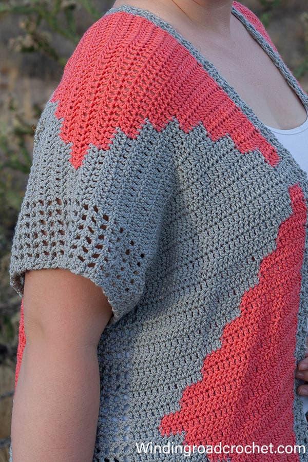 Southwest crochet cardigan or crochet Kimono. Free pattern by Winding Road Crochet. #crochetkimono #crochetcardigan #crochetcardi #southwestcrochet