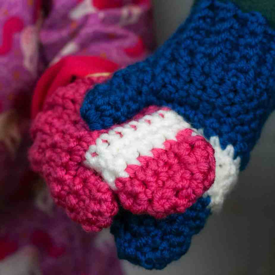 Want to crochet a quick and easy pair of toddler mittens? This free crochet pattern will walk you through how to crochet mittens with only single crochet.