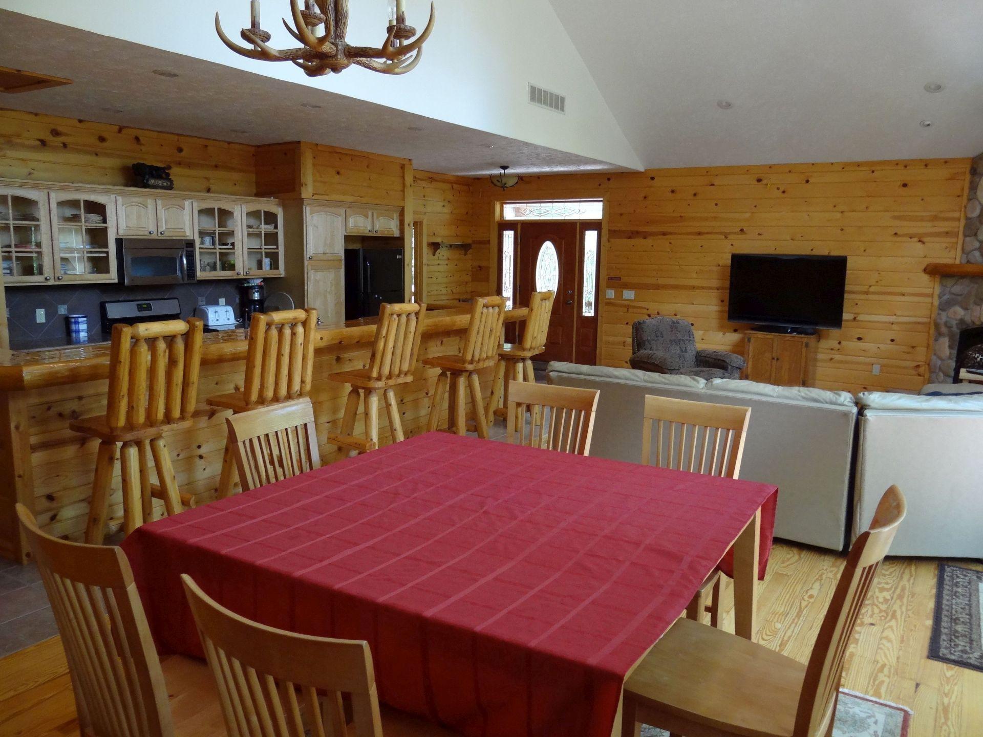 living_2_cabin_9 – WindJammer Resort – Rental Cabins on ...