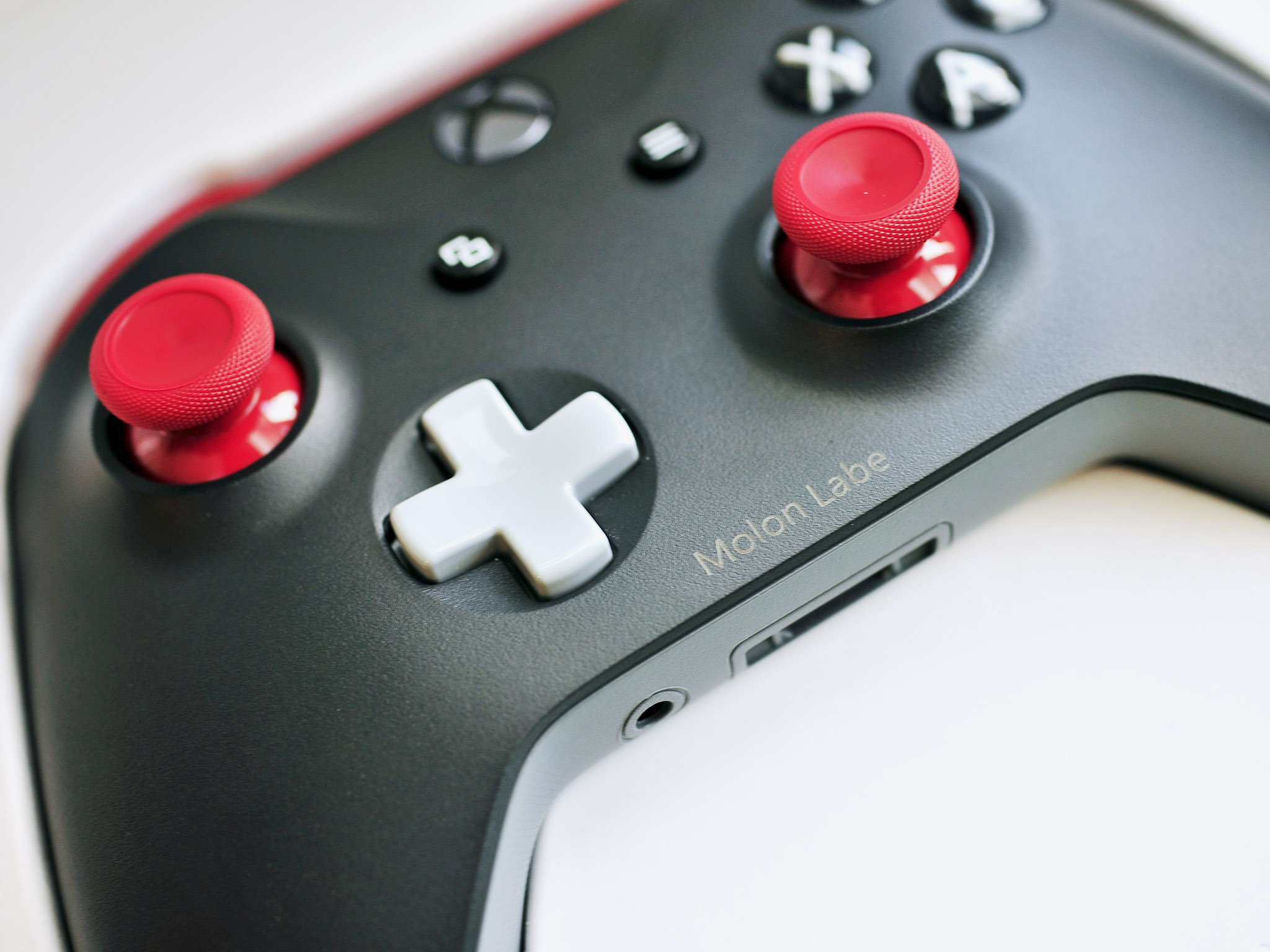 How To Pair A Wireless Xbox Controller With Your Xbox One