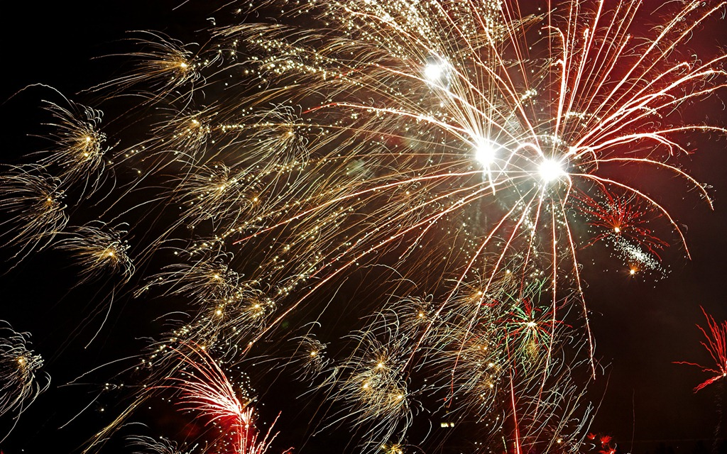 download the fireworks windows 7 theme