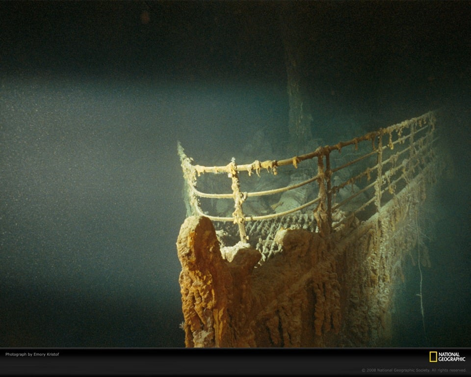 Windows 7 Theme: National Geographic Underwater Wreckage
