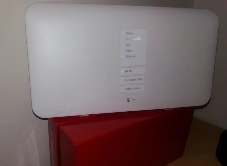 router auf karton