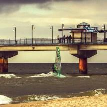 4-Miedzyzdroje-lody and gofry on the pier while Phil windsurfs