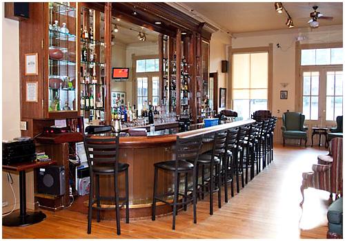 hopland-inn-bar