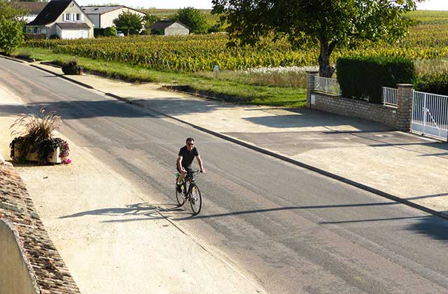 Does it get any better? Riding a bike in Burgundy