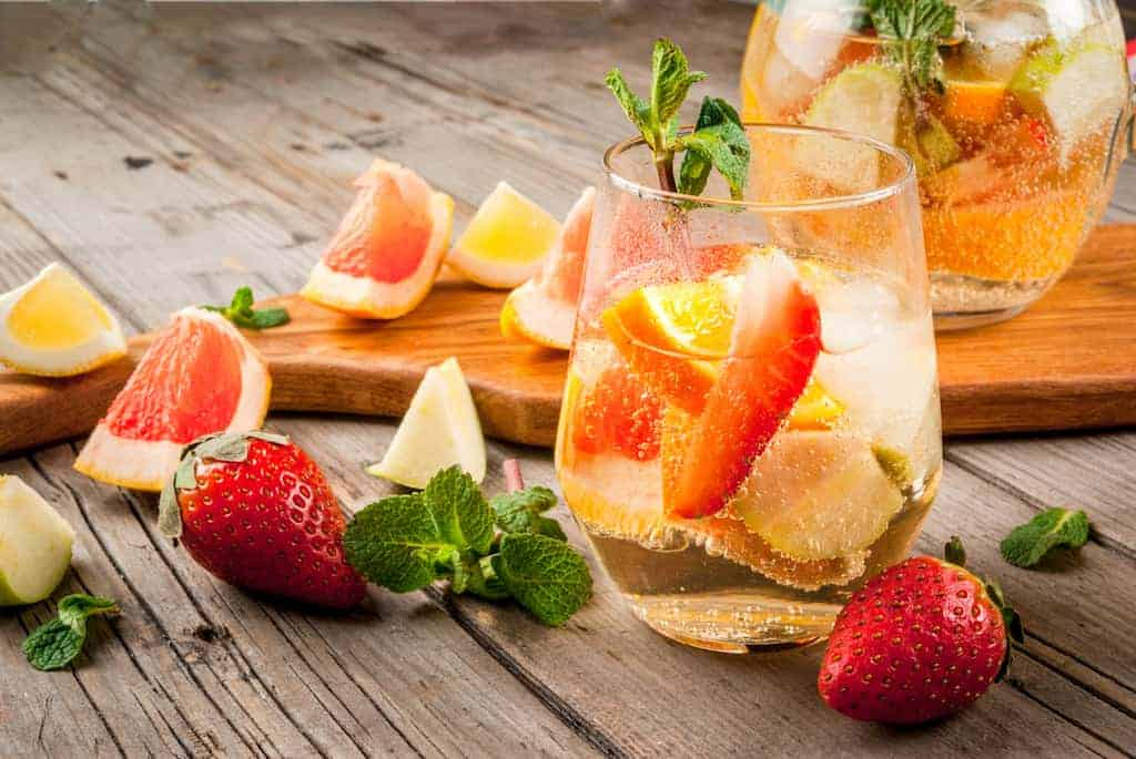 10 Refreshing Champagne Punch Recipes