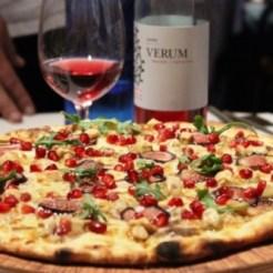Pizza de Foie, higos y granada