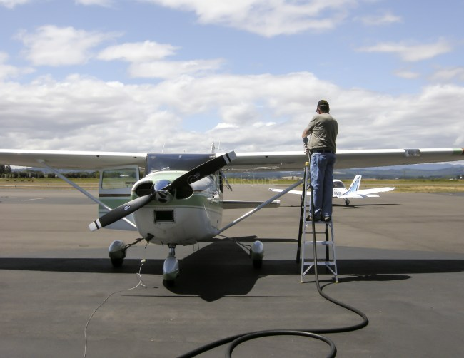Fueling 25R at Independence, Oregon
