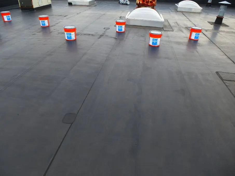 chi phí để chống thấm một mái nhà