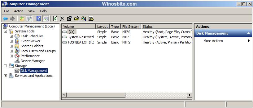 Управление компьютером также предоставляет возможность выбрать параметр управления дисками.