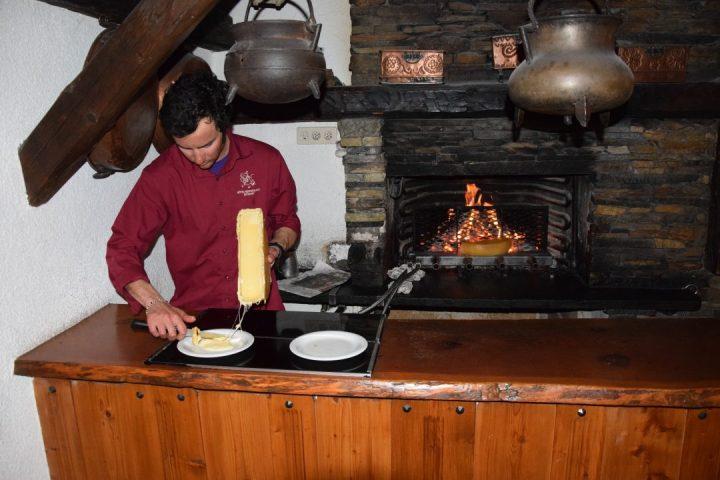 Raclette in Hôtel de Moiry in Grimentz, val d'Anniviers