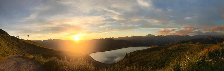 Ondergaande zon, heerlijke plaatjes uit de Alpen, Montafon 24 juli 2017