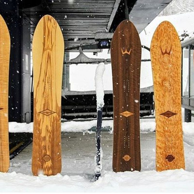 A fleet of in-stock Roundtails lined up and ready to shred at the base of Sugarloaf mountain.  The Roundtail is an evolution of the original shape developed by Dimitrje Milovich in the early 1970s. It has been refined by @sethwescott to be as good digging trenches carving the groomers as it is in deep pow.  We have a great selection available currently at www.winterstick.com, click over and find the one that calls to you!  #winterstick #snowboarding #madeinusa