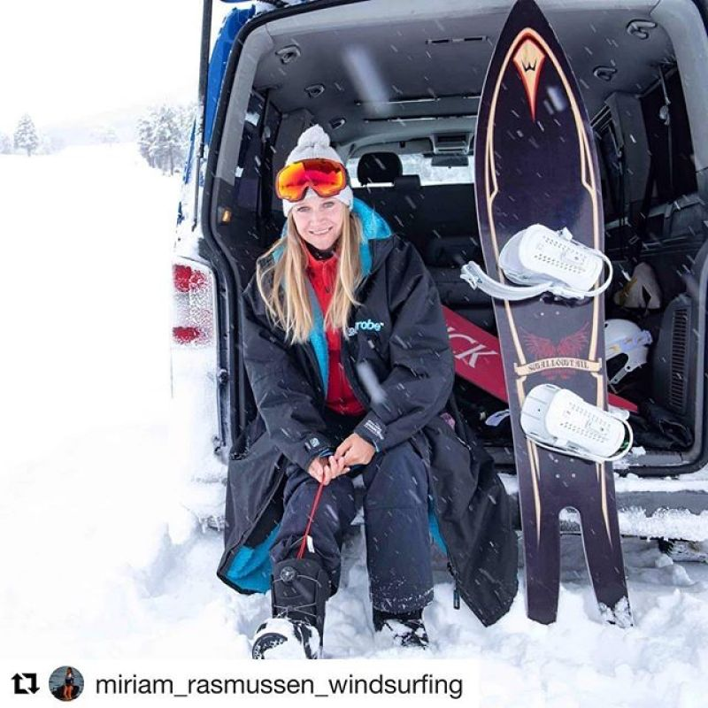#Repost @miriam_rasmussen_windsurfing・・・New day, new opportunities  Happy woman's day ️ #Dryrobeterritory #dryrobe #windsurf #loftsails #unifiber #patrikboards#snowboarding #powderrefill #gasoilfins #glidesoul #chrisbenzwatches
