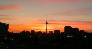Ep. II – Partenze, Arrivi, Inizi, Berlino