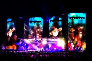 Situazioni bizzarre ai concerti: cosa non si fa per la musica…