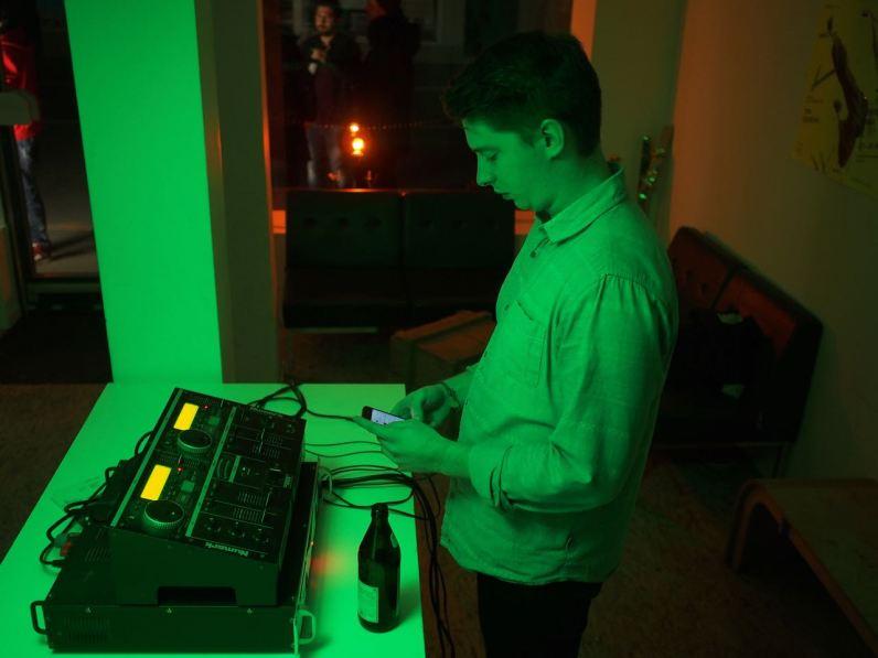 Handy DJ