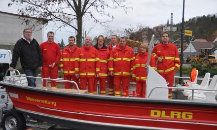 """Neues Rettungsboot """"Adler Merian"""" an die DLRG Oppenheim ausgeliefert"""