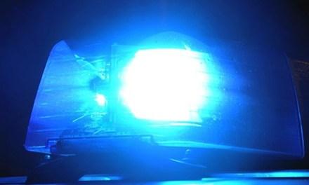 Sturzbesoffener Täter demoliert Autos und bespuckt Polizei