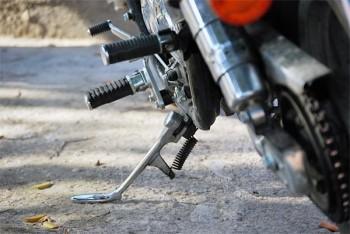 Gestürzter Motorradfahrer verursacht Unfall
