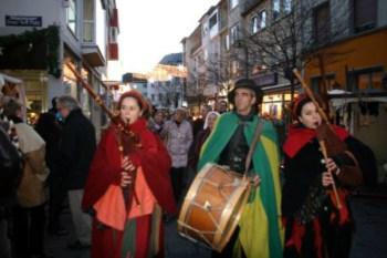 Weihnachtsmarkt mit historischem Mittelaltermarkt in Bingen.