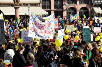Sternmarsch gegen das Kinderförderungsgesetz am 5. März in Frankfurt