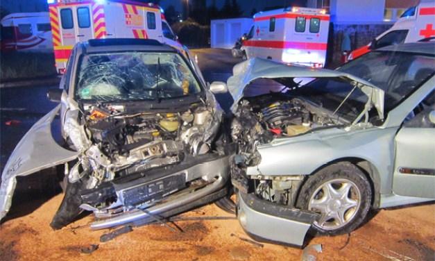 Drei PKW-Fahrer bei Unfall in Worms verletzt