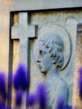 Diebe schänden Gräber. (Symbolbild: stock:xchng)