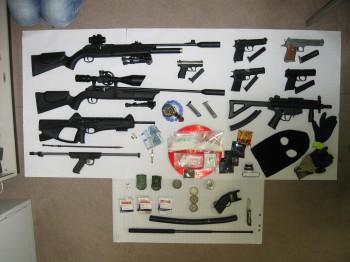 Polizei in Worms findet Waffen und Drogen