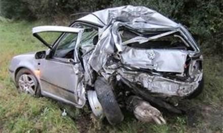 Glück im Unglück: Frau überlebt Horror-Crash mit LKW