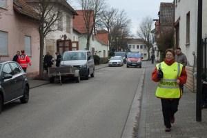 Ortsbürgermeistern Seidel im Einsatz.