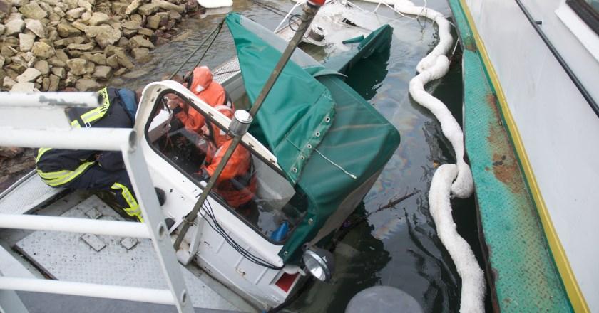 Schiffskollision auf dem Rhein Fähre in Nierstein beschädigt