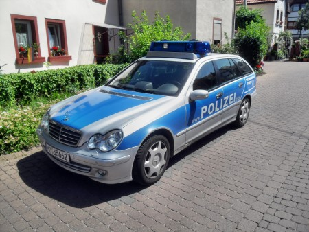 15-Jähriger schlägt Polizeibeamten in Mainz