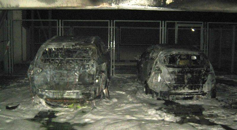 Brandstiftung? Zwei Autos brennen in Wormser Parkhaus aus