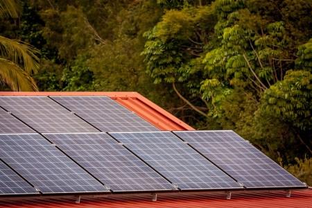 Diebe stehlen Solarmodule von Gartenlaube. (Symbolbild: stock:xchng)