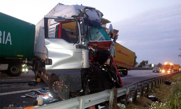 Horror-Crash auf der A61 bei Mörstadt