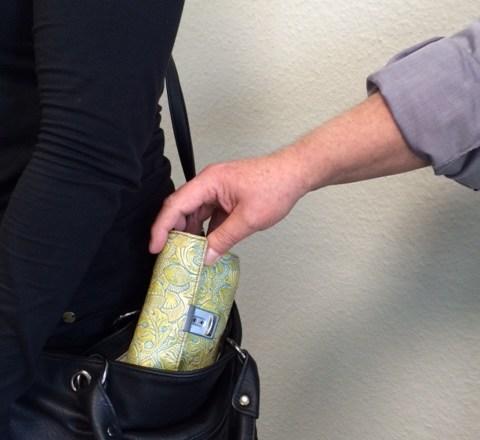 Freizeit mit Folgen – Schützen Sie sich vor Taschendieben